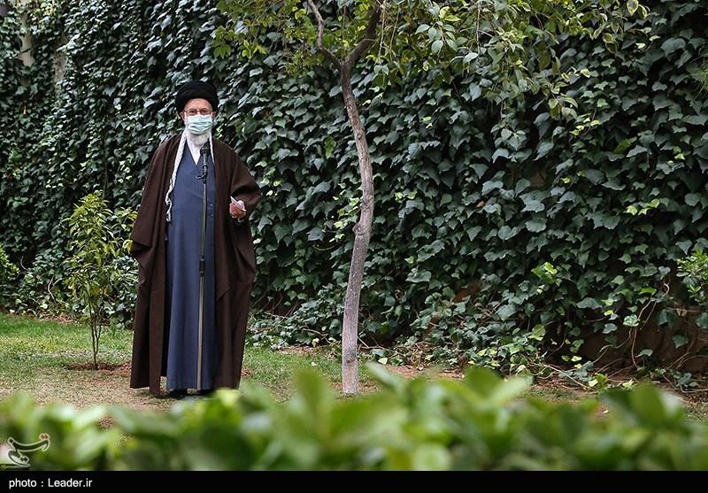 امام خامنهای: گرانی و مشکل معیشتی مردم راهحل دارد/ در جلسات متعدد این را به مسئولان تذکر دادیم