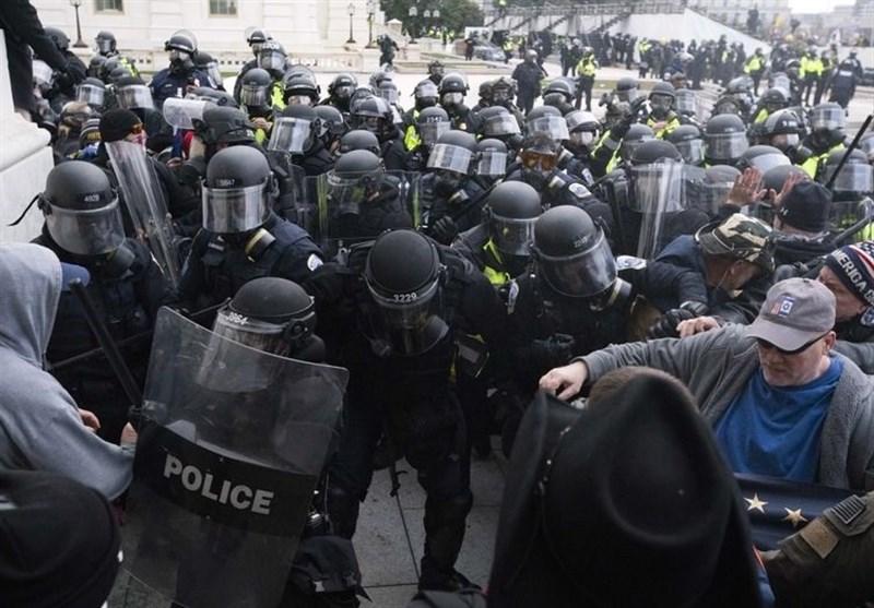 یک افسر آمریکایی به اتهام مشارکت در حمله به کنگره بازداشت شد