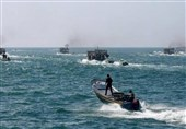 الزوارق الحربیة الاسرائیلیة تطلق النار تجاه مراکب الصیادین شمال القطاع