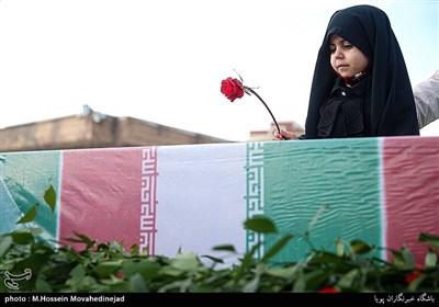 پیکر ۲شهید محیطبان استان زنجان در بهشت زهرا(س) آرام گرفت