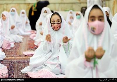 مراسم جشن تکلیف دختران در امامزاده پنج تن لویزان