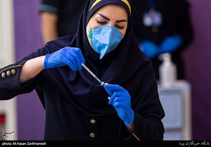 نخستین محموله واکسن کرونای ستاد اجرایی اردیبهشت در اختیار وزارت بهداشت قرار میگیرد