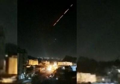 تیراندازی شدید نظامیان سعودی در کاخ منصور هادی در جنوب یمن/ پرواز یک پهپاد بر فراز آسمان عدن