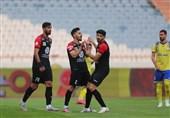 لیگ برتر فوتبال| برتری یک نیمهای پرسپولیس با یک پنالتی از دست رفته