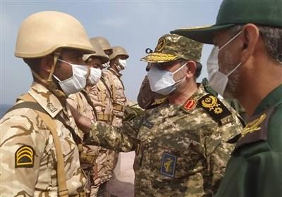 بازدید فرمانده نیروی دریایی سپاه از جزیره تنب بزرگ