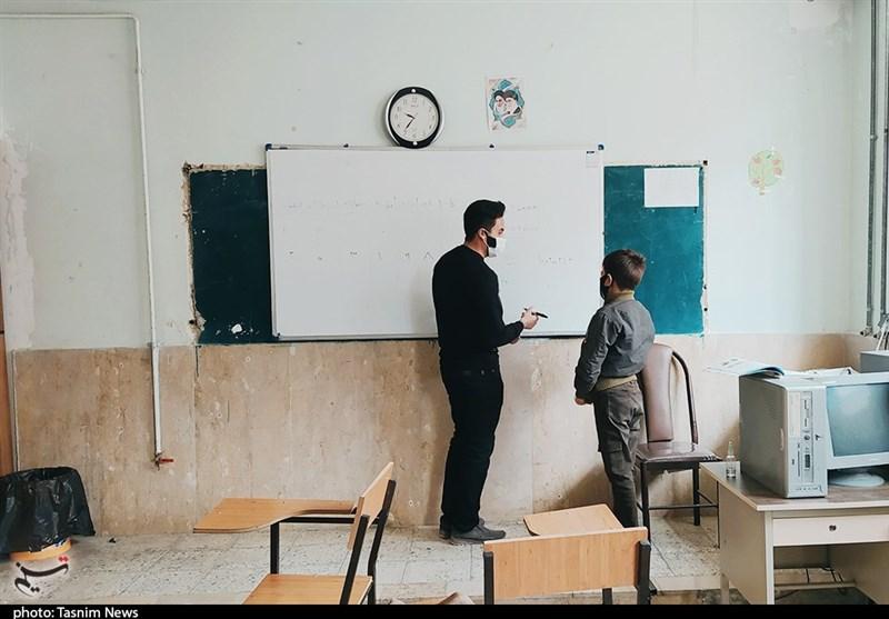 ساعت،موظف،نيروي،مدارس،دوره،ابتدايي،نيروهاي،آموزش،معلم،پرورش، ...