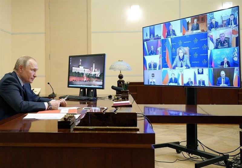 پوتین: فضای مجازی به عرصهای برای رویارویی تبدیل شده است