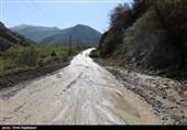 سیلاب شدید در مسیر گناباد به کاخک/ خسارتی وارد نشد/ جاده باز است + فیلم