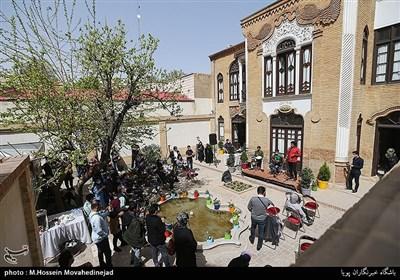 اجرای موسیقی بوشهری توسط محسن شریفیان و گروه لیان