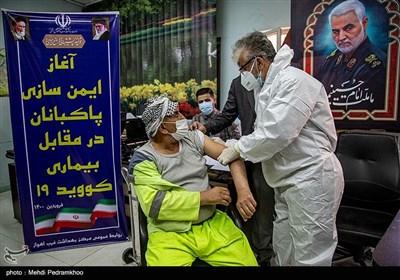 تزریق واکسن کرونا به پاکبانان شهرداری غرب اهواز