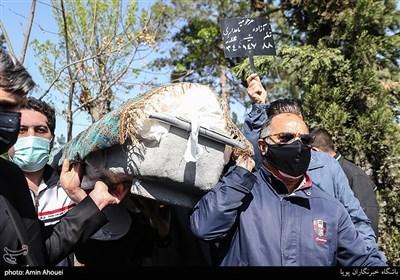 مراسم تشییع و خاکسپاری مرحومه آزاده نامداری