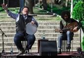 آوازهای ناصر وحدتی در نیاوران + فیلم