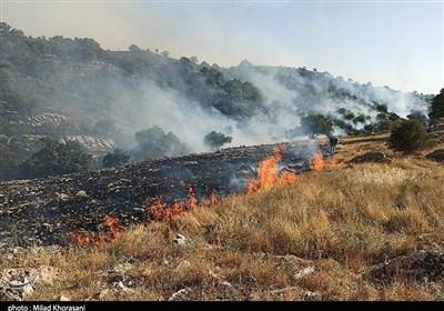"""آتش """"ارتفاعات منطقه هنگام"""" قیروزکارزین را فرا گرفت؛ اعزام بالگرد برای انتقال نیروها"""