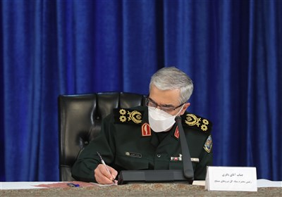 تقدیر سردار باقری از معاون مهندسی وزارت دفاع