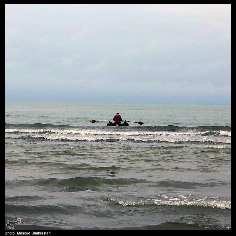 ماهیگیری در دریای مواج