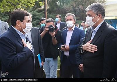 محمد اسلامی وزیر راه و شهر سازی و محمدمخبر رئیس ستاد اجرای فرمان امام (ره)