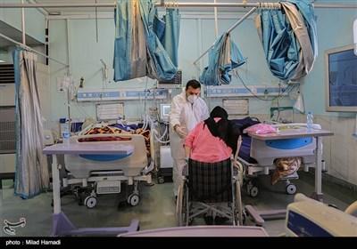 آخرین اخبار کرونا در ایران| 60 درصد تستها مثبت است/ رکورد ثبت روزانه ابتلا شکسته شد/ شهرستانهای گردشگر پذیر وارد فاز تازهای از ابتلا میشوند + نقشه و نمودار