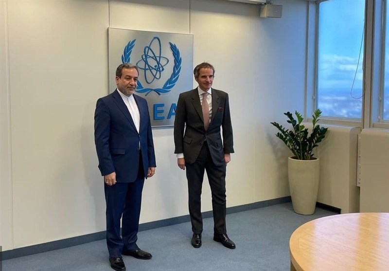 عراقچی با مدیرکل آژانس بینالمللی انرژی اتمی دیدار کرد