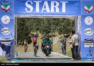 حمید پورهاشمی نفر اول مسابقات دوچرخهسواری جاده جایزه بزرگ سرخه حصار 2021