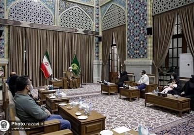 دیدار تولیت آستان قدس با خانواده دانشمندان هستهای/ چرخ صنعت هستهای ایران با شهادت دانشمندانش متوقف نمیشود