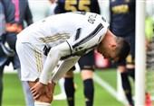مشت کوبیدن رونالدو به دیوار پس از بازی مقابل جنوا/ آینده ستاره پرتغالی مبهمتر شد