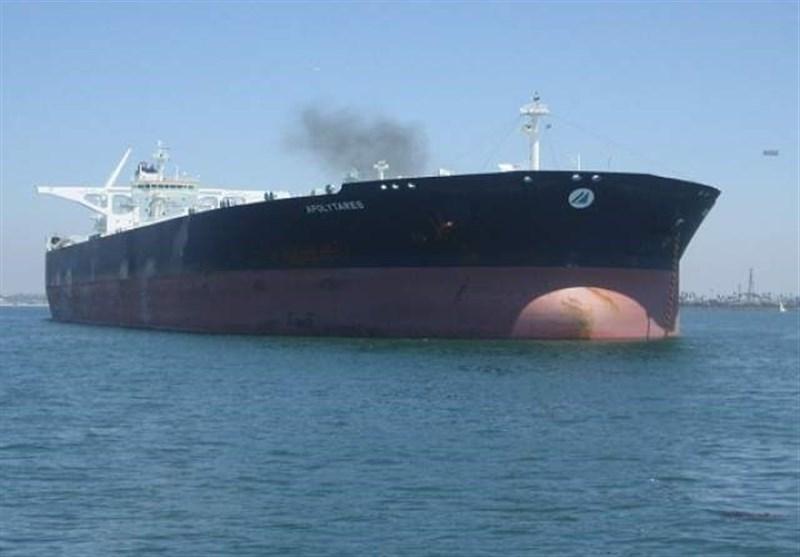 قوى العدوان تواصل عملیات نهب النفط الیمنی
