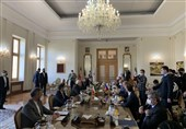 Lavrov Deplores EU Sanctions on Iran