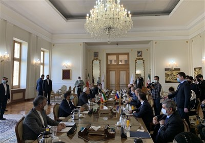 ظریف: ایران و روسیه معتقدند برای احیای برجام باید تحریمهای آمریکا برداشته شوند
