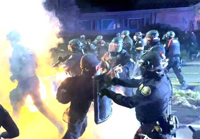Vigil for Black-Man Killed by Police Turns into Riot in Portland (+Video)