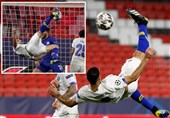 Taremi's Overhead Kick Wins UEFA Champions League Goal of Week