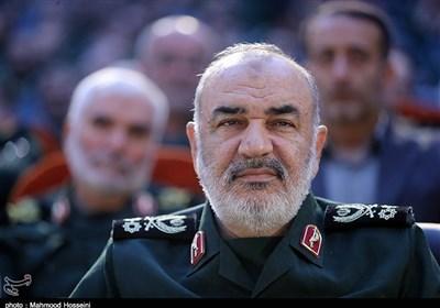 اللواء سلامی: سنرسل العدو إلى مقبرة التاریخ محملاً بالهزائم