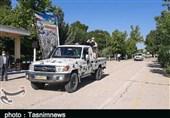 رژه خودرویی ارتش با شعار «مدافعان وطن، یاوران سلامت» در لرستان برگزار شد+ تصاویر