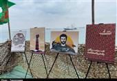 رونمایی از آثار تولیدی کارگاه گرافیک «هرمزگان ، مرز پرگوهر» بر روی شناور سپاه+تصاویر