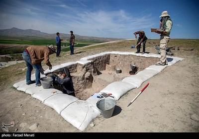 کاوش باستانی در قباق تپه کرمانشاه