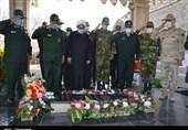 ادای احترام فرماندهان ارشد نظامی و انتظامی کردستان به شهدای گمنام؛ خانوادههای شهدا تجلیل شدند+تصاویر