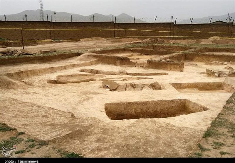 کشف گورستان 3هزار ساله قبل میلاد در سقز / اجرای حفاریهای مشکوک در محل!+تصاویر