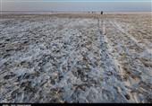 بحران توفانهای نمکی در قلب ایران| دریاچه نمک قم از حال رفت / شورهزاری که جان میلیونها انسان را تهدید میکند
