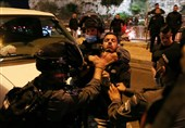 Israeli Police Clash with Palestinian Worshippers in Al-Quds (+Video)