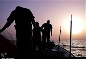 IRGC Navy Rescues 8 Fishermen in Persian Gulf