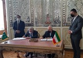 امضای یادداشت تفاهم میان ایران و پاکستان برای ایجاد بازارچههای مرزی