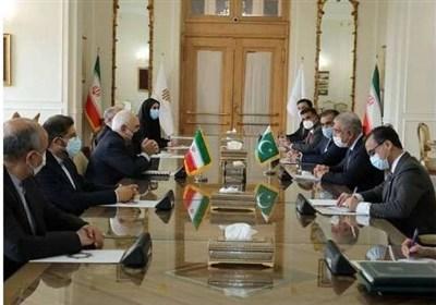 ظریف خواستار تقویت همکاریهای کنسولی میان ایران و پاکستان شد