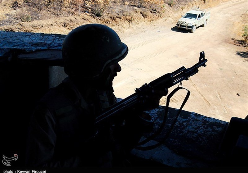 Two IRGC Members Martyred in Border Clash West of Iran