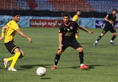 10-Man Sepahan Beats Nassaji in IPL