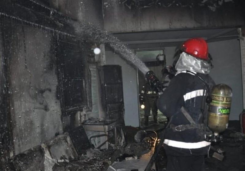 آتشنشانانی که جان خود را برای مردم به خطر انداختند/یکی از آتشنشانان تبریزی در کماست + عکس