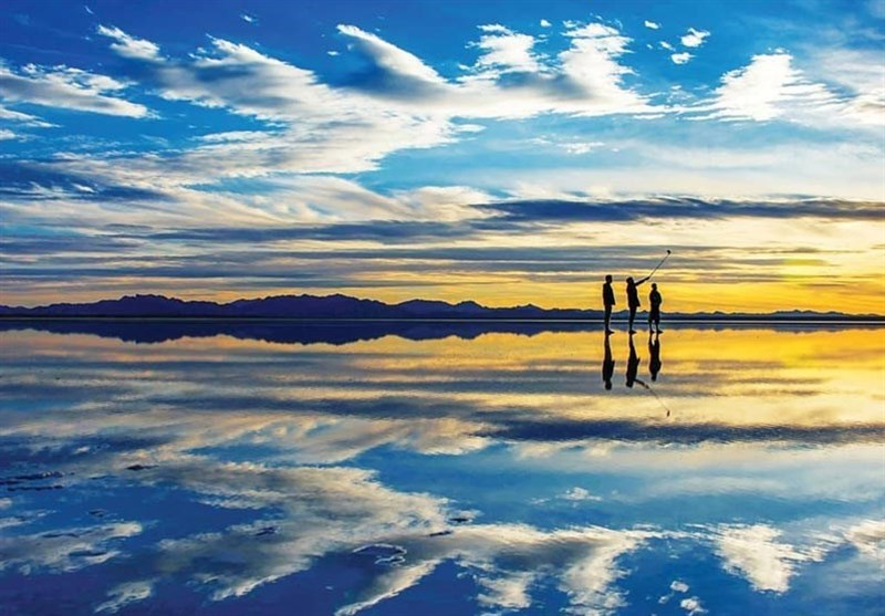 Makhrageh Lake: The Largest Natural Mirror in Iran - Tourism news