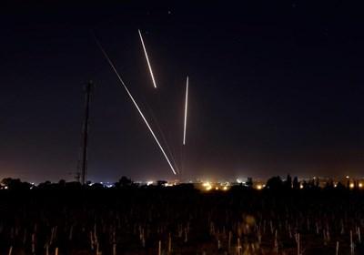 المقاومة الفلسطینیة تفرض معادلة جدیدة.. القصف بالقصف والقدس خط أحمر