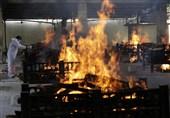 ثبت یک رکورد تازه در تعداد مبتلایان به کرونا در هند/ آخرین تصاویر از فاجعه کووید-19