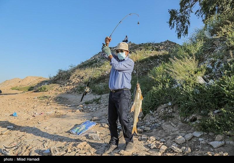 ماهی گیری در رودخانه کارون - اهواز