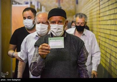 آغاز واکسیناسیون سالمندان بالای هشتاد سال در فارس