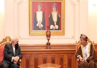 تأکید ظریف و معاون سلطان عمان بر اهمیت روابط دو کشور